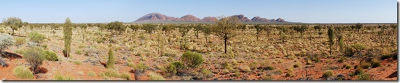 Alice_Springs_Olgas_far_away